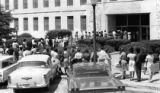Line of voters waiting to register at the Fulton County Courthouse, 1962