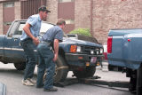 Investigators remove Richard Jewell's truck to search for potential evidence, 1996