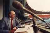 Atlanta Braves broadcaster Ernie Johnson broadcasting his last game, 1989